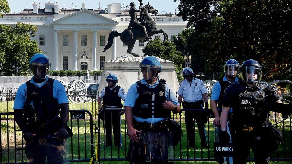blindando la casa blanca por las protestas 20200601
