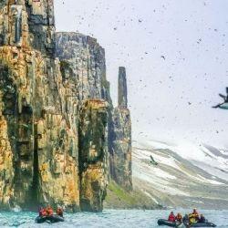 El crucero es capaz de operar en el Ártico durante todo el año rodeado de hielo.