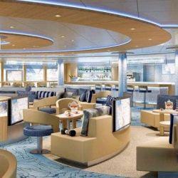 Todo su diseño gira en torno a los elementos del fuego y el hielo, como por ejemplo está el Ice Lounge.