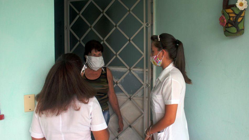 Cuba, operativo casa por casa en busca del covid-19