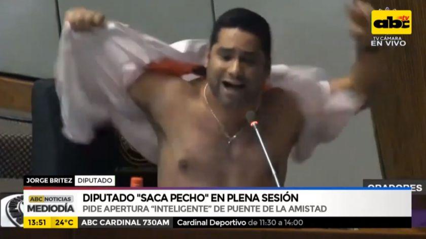 Diputado paraguayo se arrancó la camisa en plena sesión — Desopilante video