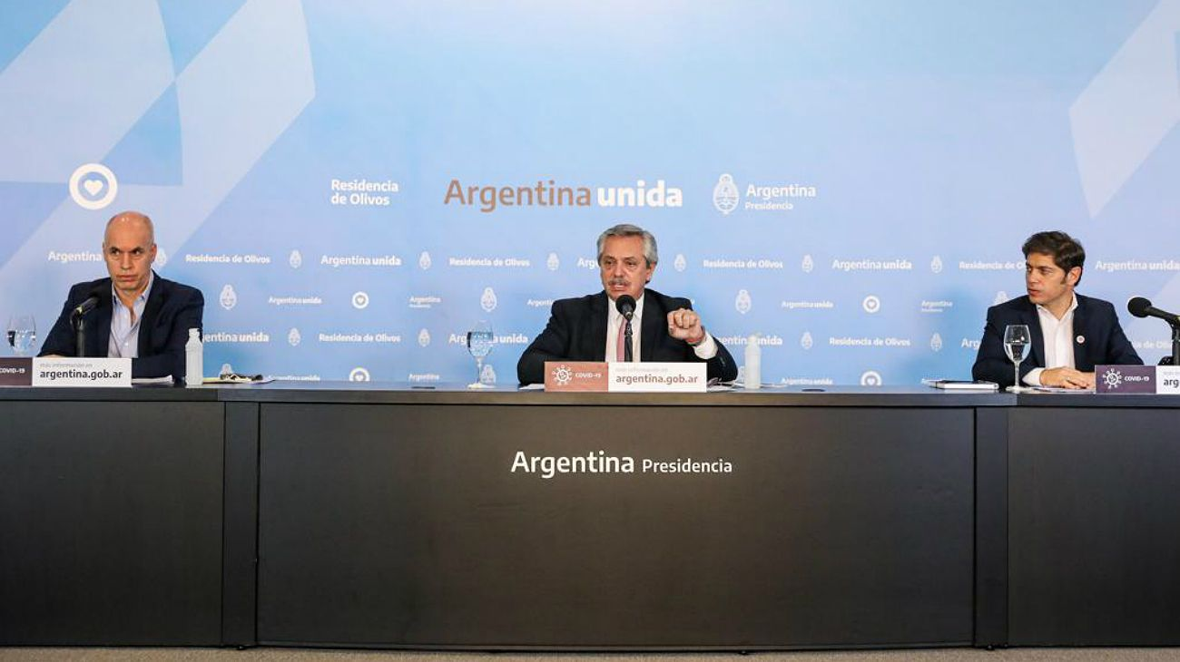 Extensión de la cuarentena. Alberto Fernández, junto a Larreta y Kicillof durante el anuncio.