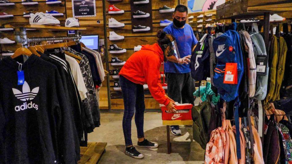 zapaterias y locales de ropa 20200604