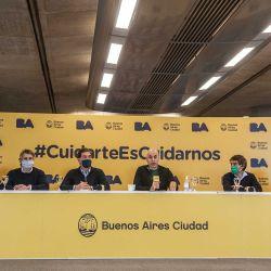 Horacio R. Larreta, Diego Santilli y colaboradores, dieron esta mañana en la sede del Gobierno de la Ciudad, una conferencia de prensa para explicar los alcances de la prolongación de la cuarentena. | Foto:Juan Ferrari
