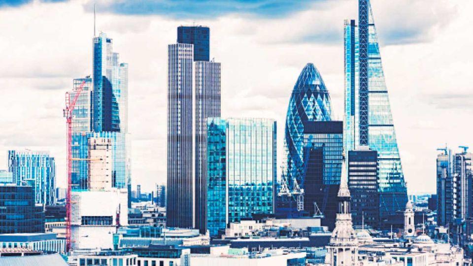 City. Corazón financiero de la capital. Sus 147 multimillonarios poseen más de 800 mil millones de dólares.