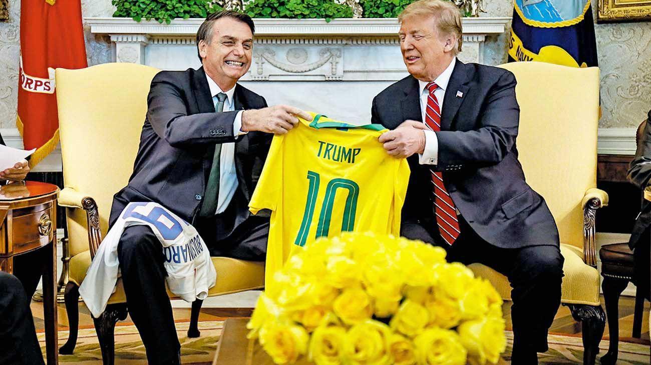 Negacionistas. Donald Trump y Jair Bolsonaro tienen políticas ambientales coherentes con su mirada económica y su ideología.