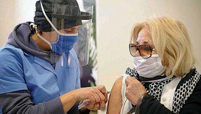 Medidas. ¿No habrá que garantizar que los mayores reciban la vacuna contra la gripe?