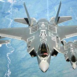 """Elon Musk afirmó que """"el F-35 no tendría nada que hacer contra un caza autónomo""""."""