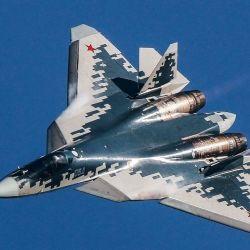 Otro de los fuertes del Su-57 es su equipo y sus características técnicas, que son más avanzadas que las del F-35.