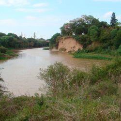 La Reserva Natural Villa Gobernador Gálvez está resguardada por una asociación civil y es el pulmón necesario para una zona industrial.