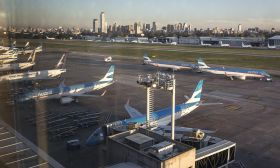 grounded flights aeroparque