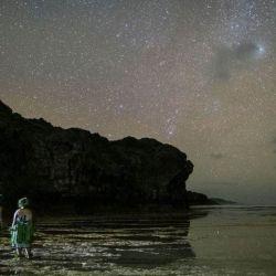 Por la noche, los cielos de Niue ofrecen una visión sin contaminación y clara de las estrellas.