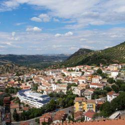 Un auténtico pueblo de montaña (y con el mar muy cerca).