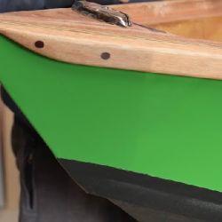 Un guía de pesca de Bariloche construyó su propio bote durante la cuarentena. Lo usará en plena temporada.
