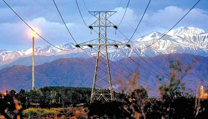 Alta tensión. El costo de la energía, entre el consumo familiar y las inversiones.
