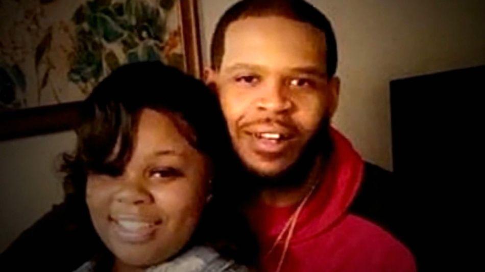 Rayshard Brooks, el joven baleado por la policía en Atlanta, en una foto familiar.