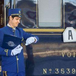 Pasajeros, al tren, pero este no es un tren cualquiera, es el en el Venice Simplon Orient Express.