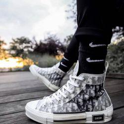 Las icónicas zapatillas Dior, B23, son objeto de deseo en Instagram