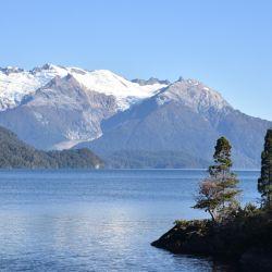 La belleza del lago Menéndez vuelve a ser observada por el público local con la apertura del PN Los Alerces.