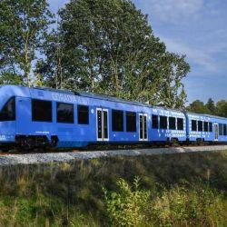 El tren que se probó durante dos años es el Coradia iLint, una formación cochemotor fabricada por Alstom para el servicio regional de pasajeros.
