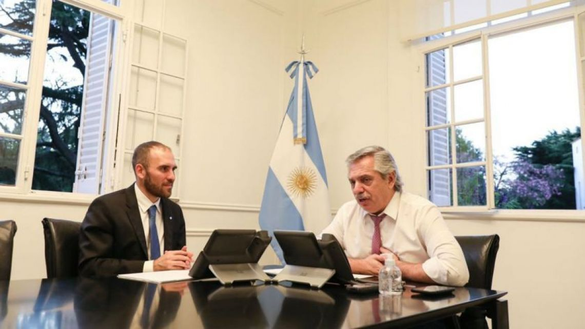 President Alberto Fernandez and Economy Minister Martín Guzmán, pictured during a call with creditors.