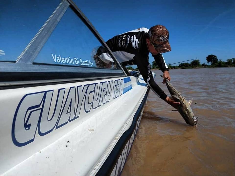 El intendente de la ciudad entrerriana de La Paz, Bruno Sarubi, adhirió al decreto provincial que habilita las actividades y prácticas náuticas deportivas.
