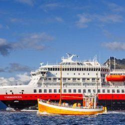 El 16 de junio la navieda Hurtigruten retomó sus operaciones en aguas noruegas con un tercio de su ocupación.
