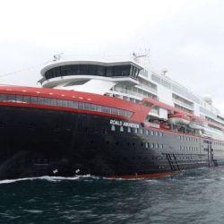 El buque Finnmarken marca la recuperación de los cruceros con un viaje a un tercio de su capacidad y solo con pasajeros noruegos y daneses