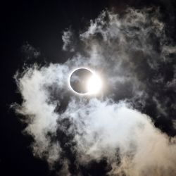 8 recomendaciones astrológicas para el eclipse de sol y luna en Cáncer