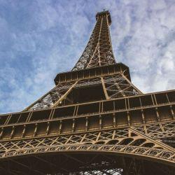 Para visitar el interior de la Torre Eiffel habrá que tener buen estado pues los ascensores no funcionarán hasta el 1 de julio.
