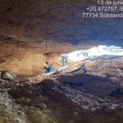 La cueva atraviesa completamente la ruta y tiene un área seca de 20 metros de ancho y 60 de largo.