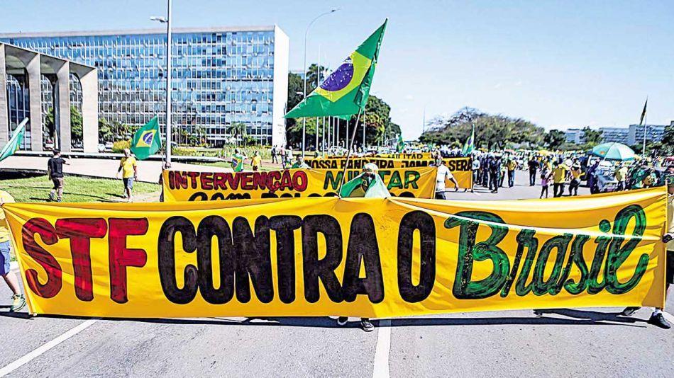 20200621_brasil_jueces_bolsonaro_bandera_cedoc_g