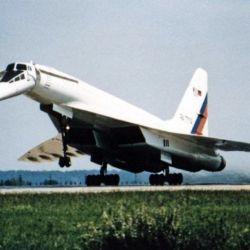 Su primer intento se remonta a las décadas del 60 y 70, con el Tupolev TU-144.