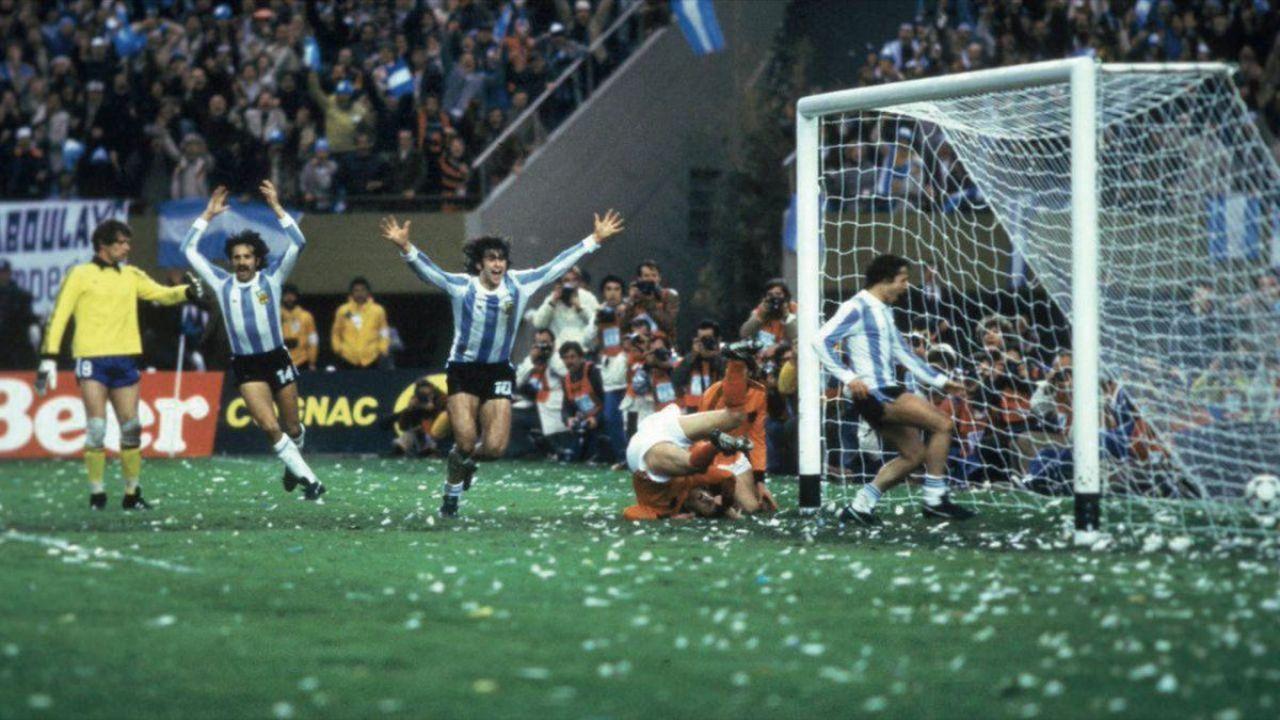 CON EL 3-1 ANTE HOLANDA, BERTONI ASEGURABA LA PRIMERA COPA DEL MUNDO PARA ARGENTINA.