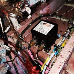 El interior de la aeronave también se vio afectada por el incidente.