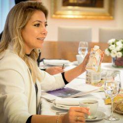 Fabiola Yáñez demostró que en invierno también se puede usar blanco