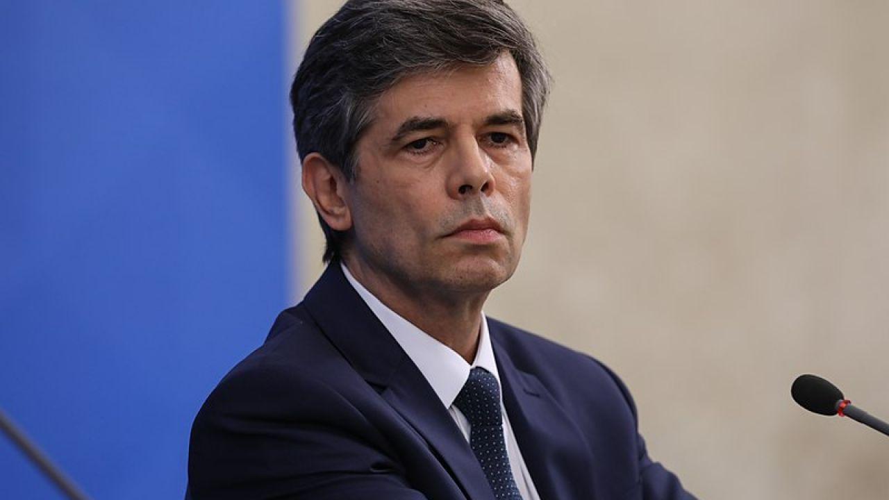 Nelson Teich renunció en Brasil antes de cumplir el mes de gestión.  | Foto:AFP