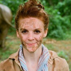Ashley Bell, actriz californiana, dirigió el documental Love & Bananas que plantea la crítica situación de los elefantes en Tailandia.