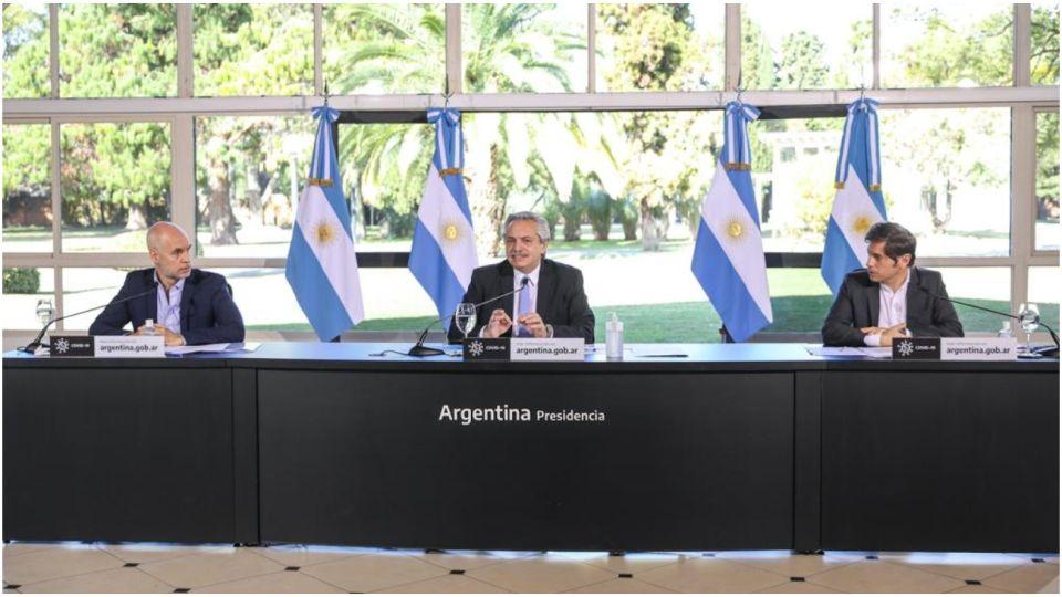 Alberto Fernández junto a Horacio Rodríguez Larreta y Axel Kicillof en el anuncio de extensión de la cuarentena.