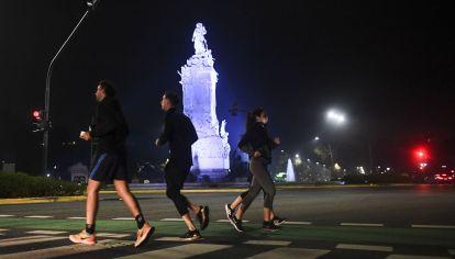 La posibilidad de contagio al correr, si se mantiene la distancia, es muy baja.