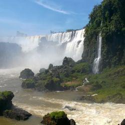 Pese a recuperar su caudal, las Cataratas del Iguazú permanecerán cerradas a los turistjas.