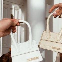 Mini bags: historia del complemento más deseado del mercado
