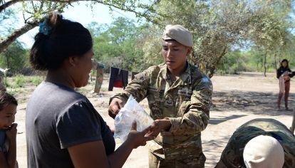 """Soldados desplegados en """"zonas calientes"""" del territorio salteño."""
