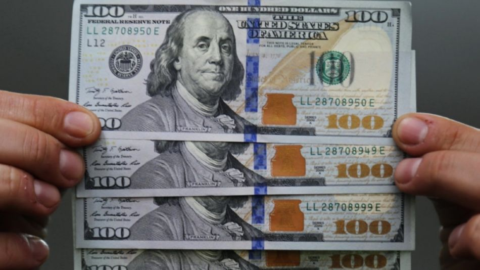 La semana cerró con el dólar con pocos cambios