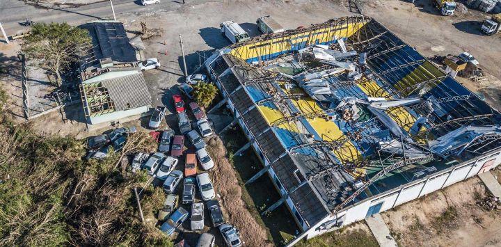 Imagen del daño causado por un ciclón en un centro deportivo en la ciudad de Celso Ramos, cerca de Florianópolis, estado de Santa Catarina, Brasil.