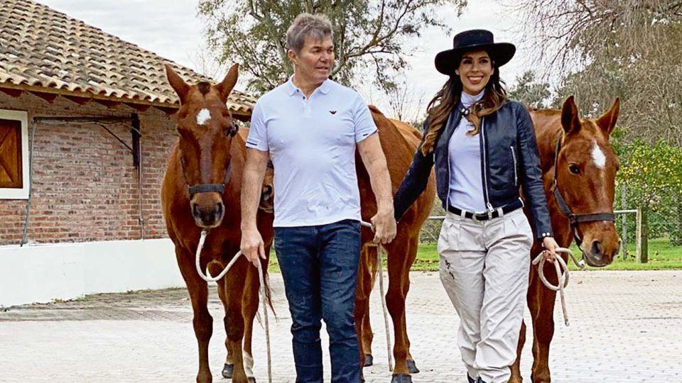 Fernando Burlando y Barby Franco abren su campo