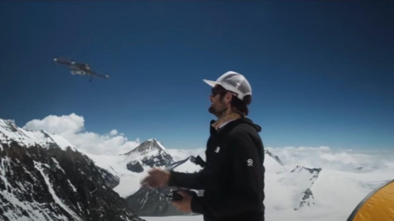 Lanzan drone sobre el everest para filmar documental