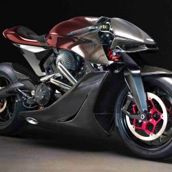 La moto está siendo desarrollada junto al fabricante Brough Superior, especialista en el mundo de las dos ruedas.