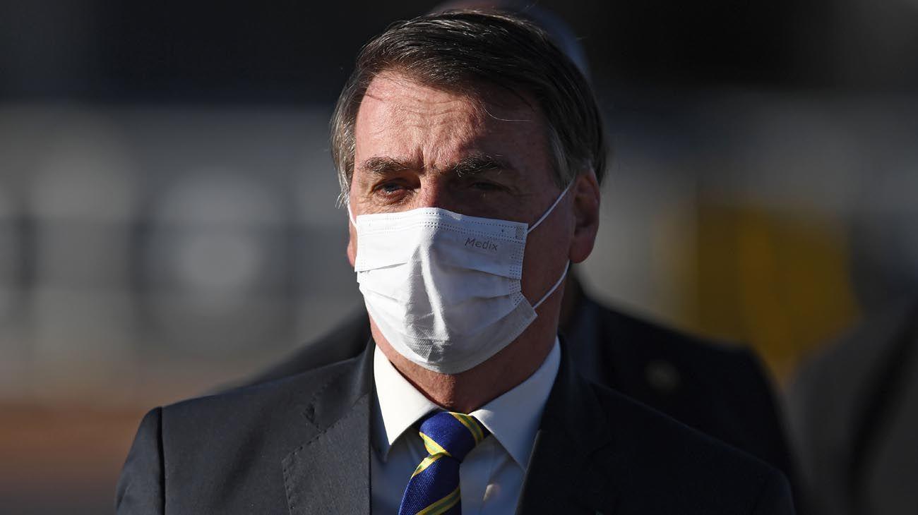 Bolsonaro confirmó que tiene coronavirus.