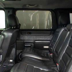 Cuenta con asientos con calefacción para la primera y la segunda fila.